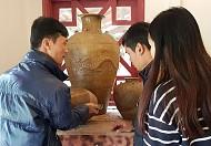 Khám phá gốm cổ trong Làng Cù Lần Đà Lạt