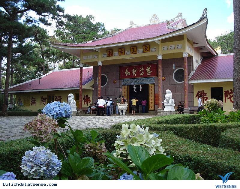Tham quan chùa Thiên Vương Cổ Sát Đà Lạt